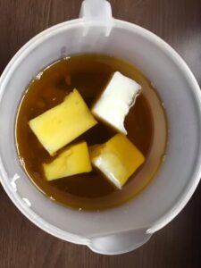 Kaalutud rasvad/õlid: kookosrasv, riitsinusõli, oliiviõli ja linaõli.