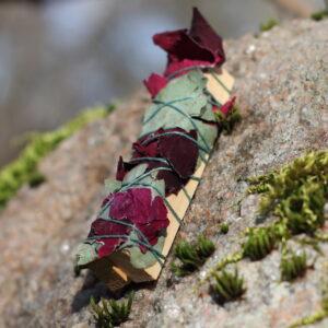 Kadaka puitviiruk roosi ja eukalüptiga